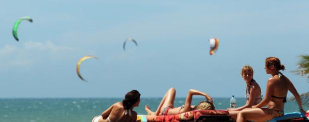kiteboarden cumbuco